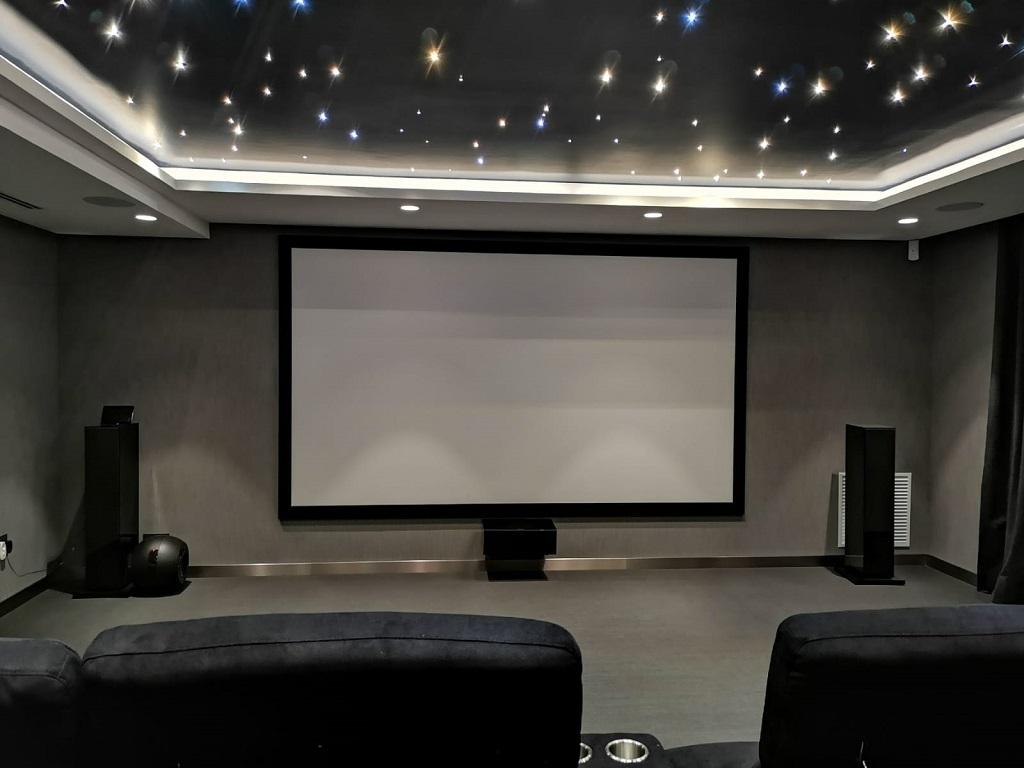 Indispensables para montar una sala de cine en casa